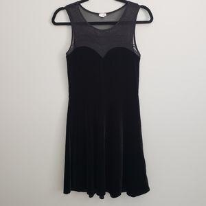 Velvet M mesh sweetheart neckline Garage dress